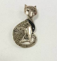 Silver Cat with curled tail Brooch