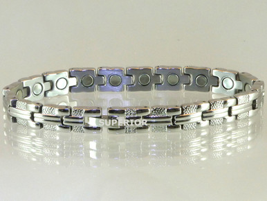 """Magnetic bracelet Riviera S stainless steel with 18-5000 gauss magnets in an 8"""" length.  It has a magnetic therapy pull strength of 700 grams."""