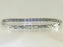 Magnetic anklet Oval X S made with 316L stainless steel with N52-5200 Gauss rare earth magnets
