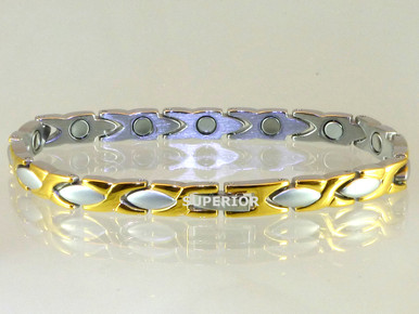 "Magnetic bracelet Oval X SG 1/4"" wide x 9/16"" long stainless steel link with 13 rare earth magnets in 7 3/4"" length. It has a magnetic therapy pull strength of 550 grams."