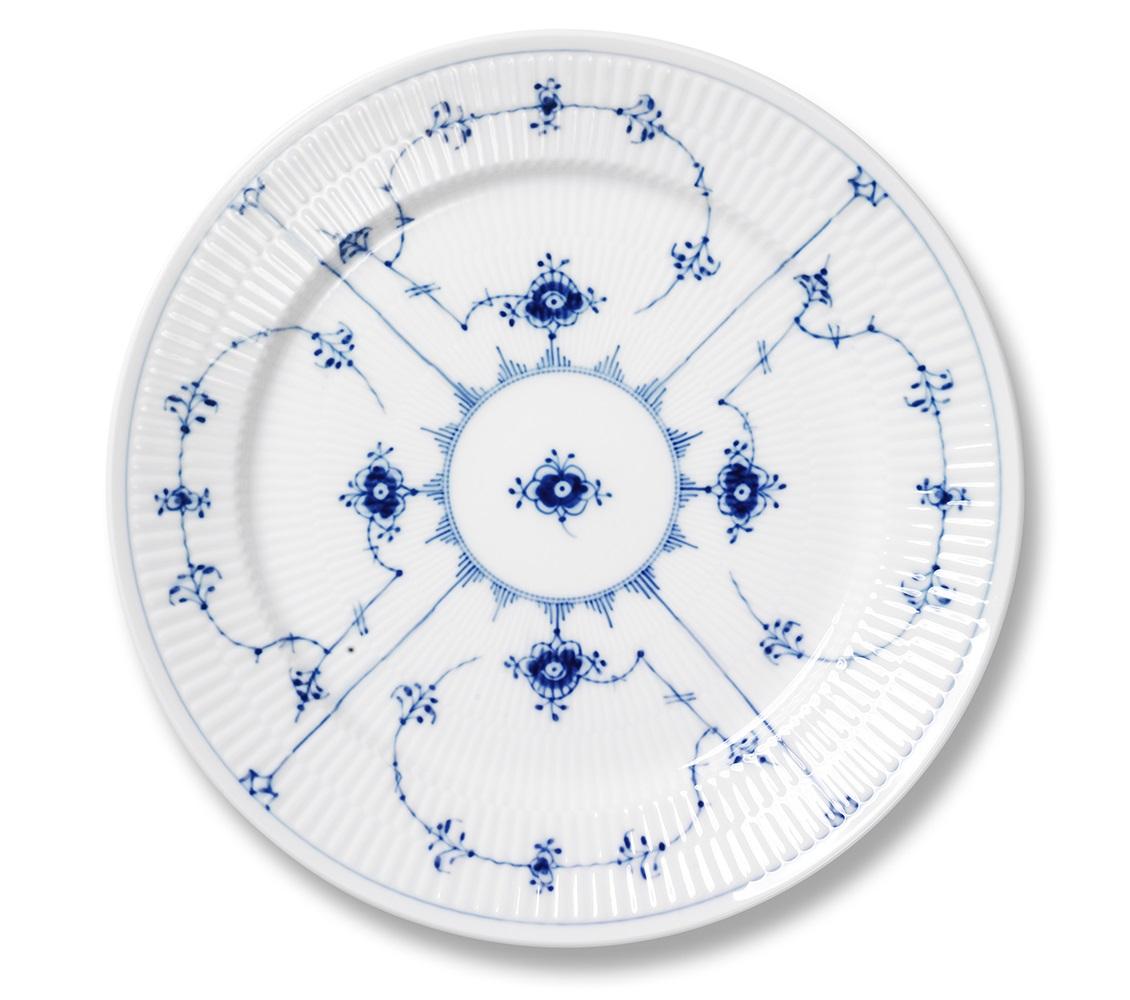 royal-copenhagen-blue-fluted-plain-dinner-plate-10.75-in-1017202.jpg