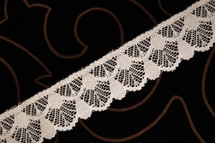 "1 1/2"" Off White Wholesale Lace Trim #lace-80"