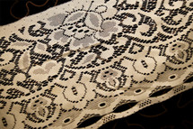 "8"" Off White Vintage Lace Trim #1070"