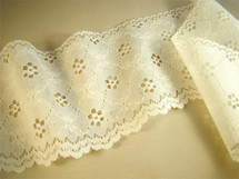 "4"" Cream Eyelet Lace LT-217"