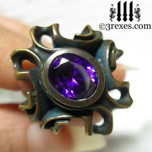 brass-empress-vampire-ring-gothic-japanese-amethyst-purple-stone-detail-300.jpg