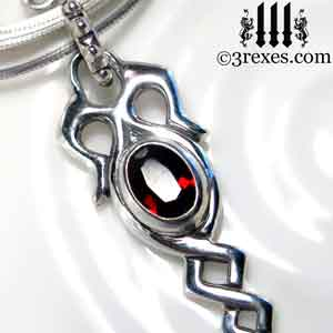celtic-dripping-silver-necklace-garnet-stone-detail