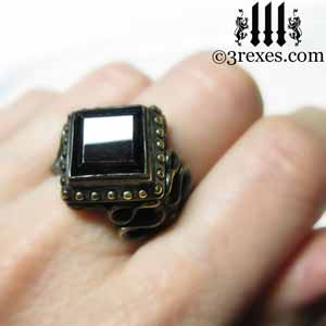 dark-garnet-raven-love-brass-ring-model-view