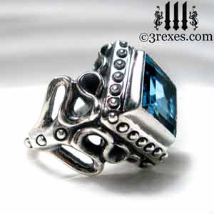 raven-love-silver-ring-medieval-blue-topaz-stone-side-detail