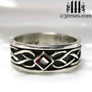 soul-love-anam-gra-mens-silver-celtic-wedding-ring-garnet-stone-front-gothic-band