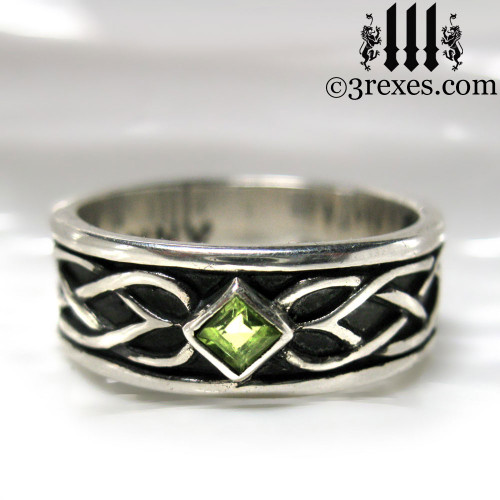 925 sterling silver celtic knot soul ring with green peridot stone