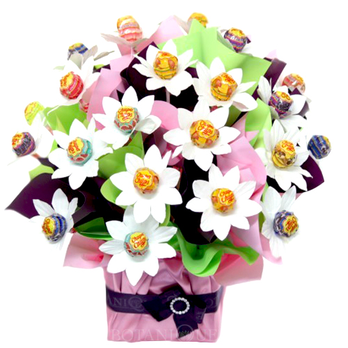 Easter hampers botanique flowers by tina gold coast australia daisy easter hampers gold coastg negle Images