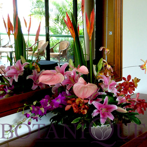 sideboard-flowers-gold-coast-australia.jpg