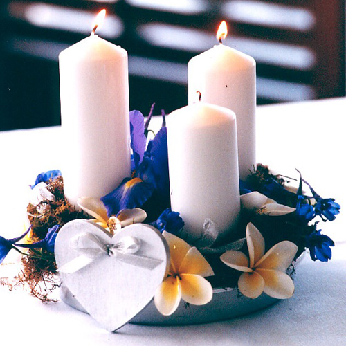 table-flowers-3-candles-gold-coast-australia.jpg