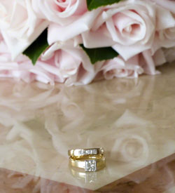 wedding rings anniversary flowers pale pink roses small