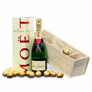 Moet & Chandon Champagne sparkling wine Gold Coast Delivery.