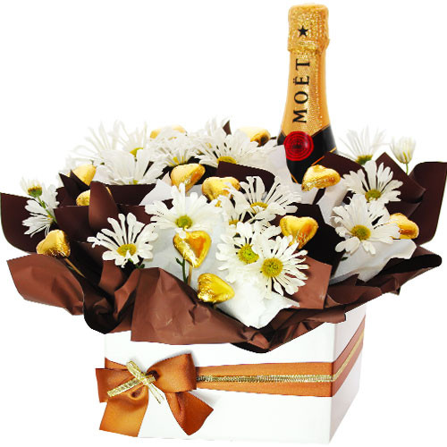 Baby Gifts Gold Coast Australia : Wine and chocolates for home delivery to gold coast