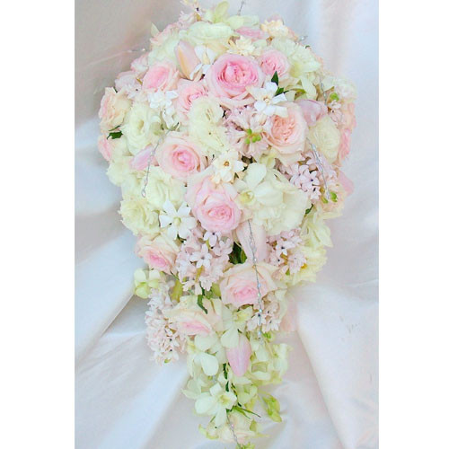 Bridal Flowers Gold Coast : Wedding flowers gold coast pretty in pink trailing