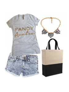 casual t shirt outfit with cut off shorts and statement necklace