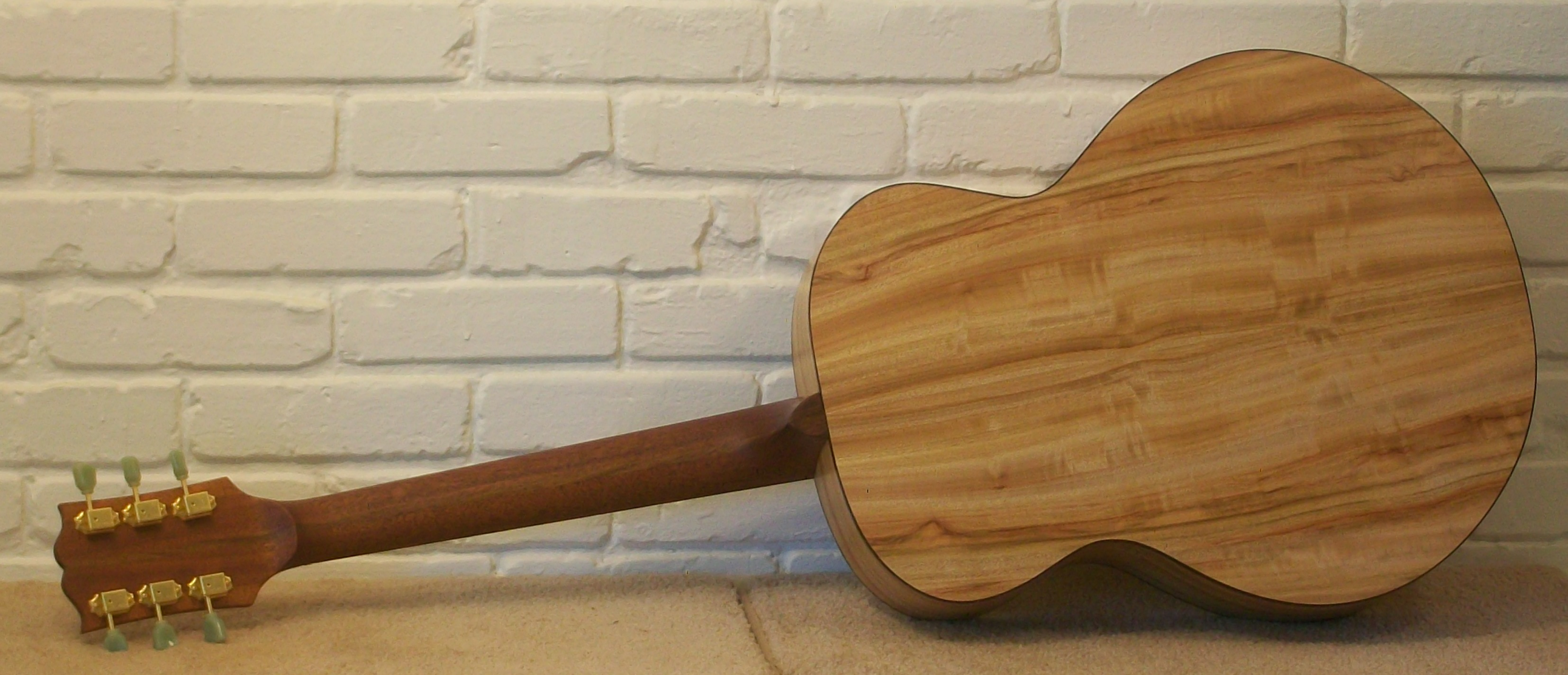 guitar-finished-with-odies-a-gibson-back.jpg