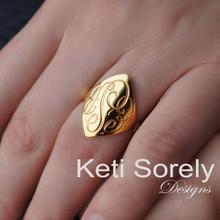Hand Engraved Diamond Shape Ring - Yellow Gold