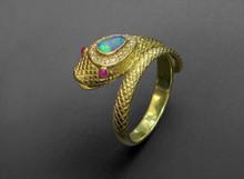 18 Karat Yellow Gold Snake ring with Opal & Diamonds