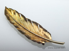Tiffany and Co. 14 Karat Yellow Gold Feather Brooch