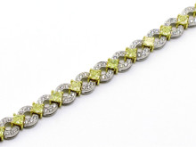18 Karat  White and Yellow Gold White and Yellow Diamond Link Bracelet