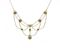 Art Nouveau 14 Karat Yellow Gold Peridot and Pearl Necklace
