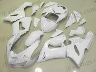 Kawasaki ZX6R 636 2005 2006 pearl white fairing kits, this Kawasaki ZX6R 636 2005 2006 plastics was applied in pearl whitegraphics, this 2005 2006 ZX6R 636 fairing set comes with the both color and decals shown as the photo.If you want to do custom fairings for ZX6R 636 2005 2006,our talented airbrusher will custom it for you.