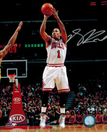Derrick Rose Autographed Chicago Bulls White Jersey Action 8x10 Photo