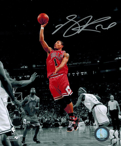 Derrick Rose Signed Chicago Bulls Red Jersey Action 8x10 Photo