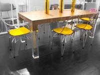 Mies Table
