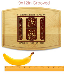 Cutting board with Banana for Scale