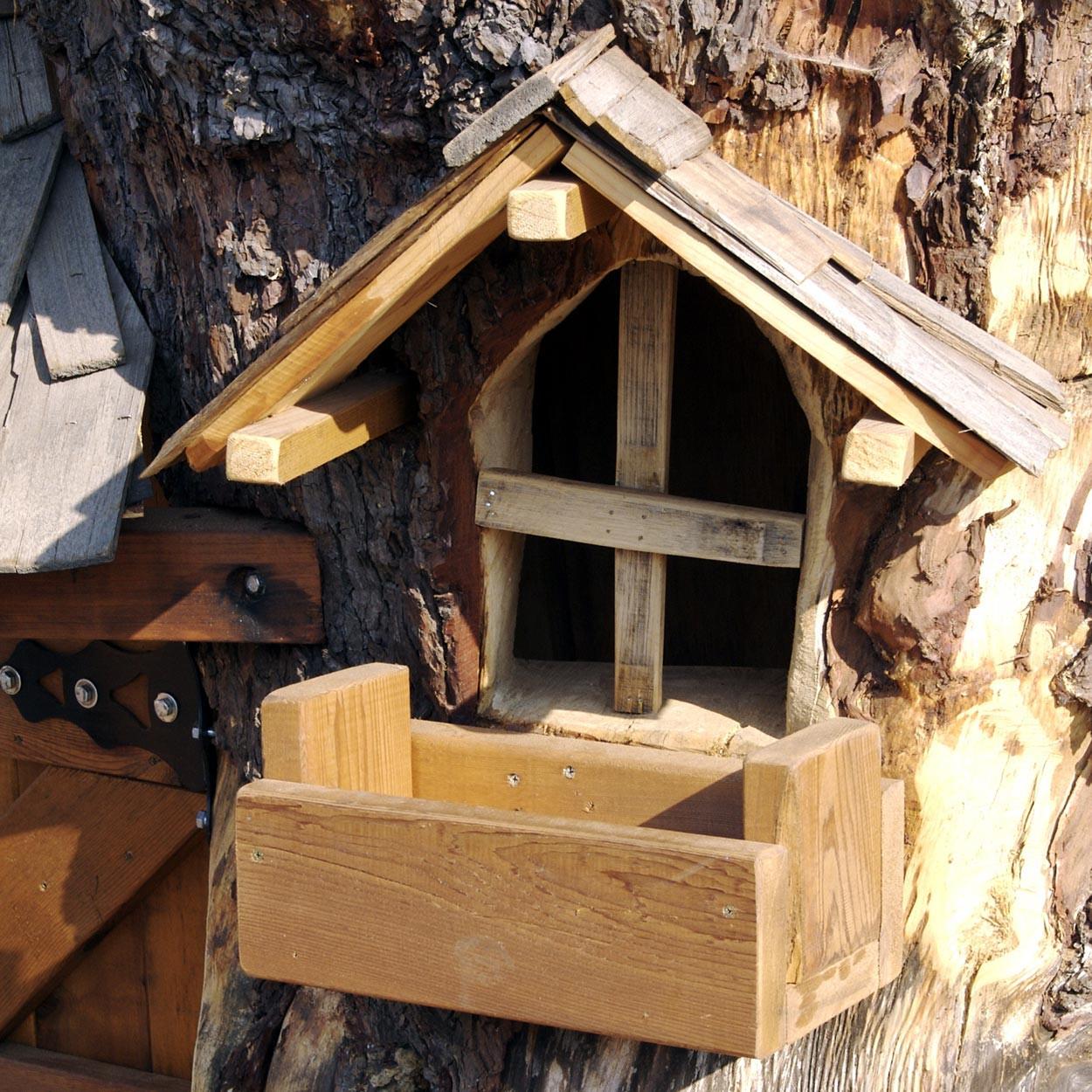 daniels wood land monkey mansion tree playhouse