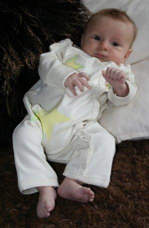 green-nippers-organic-unisex-baby-grow-vanilla-star.jpg