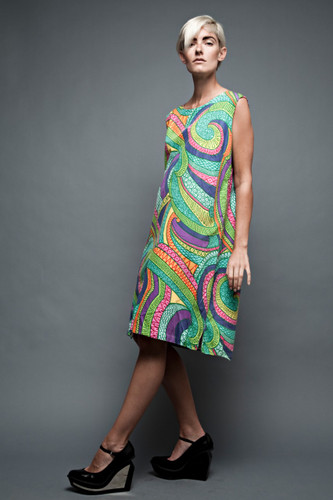 vintage 60s 70s Mod A-line shift day dress cotton psychedelic swirls sleeveless plus size 1X 2X (46&quot; Bust)