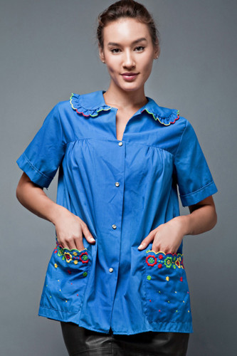 "vintage 70s smock top blue ruffles scallop collar pocketsfloral embroidery ONE SIZE (46"" bust)"