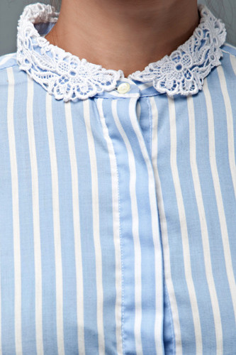 vintage 70s blouse top blue white stripes cotton crochet collar long sleeves L