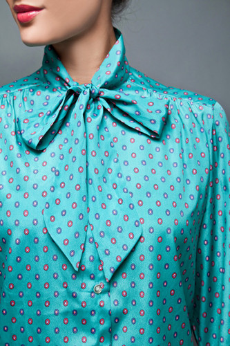 "vintage 70s top blouse ascot green blue satin floral medallion L (42"" bust)"