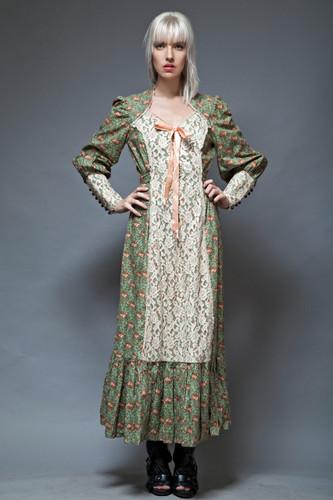 prairie maxi dress farm house vintage 70s green cotton floral lace poet sleeves M L