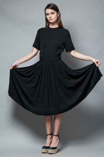 vintage 1940s black dress LBD crepe gathered skirt midi belted short sleeves M L