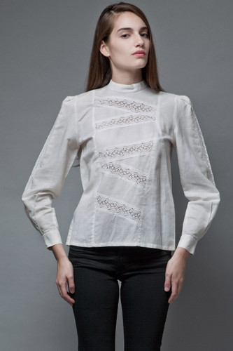 vintage 70s white linen top eyelet lace cutout insert long sleeves S M