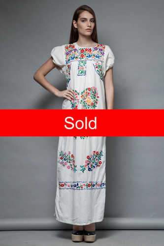 boho hippie vintage 70s oaxacan maxi dress mexican floral embroidery cotton ONE SIZE