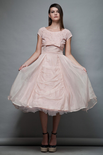 vintage 1950s cupcake party dress pink bow lace cap sleeves prom full skirt