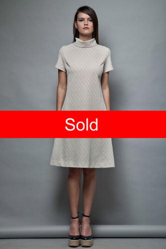1960s shift dress MOD vintage folded collar turtle neck beige white texture M L