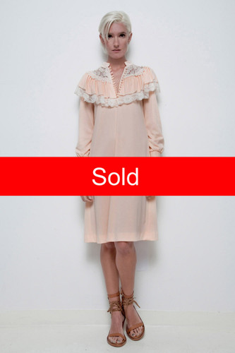 Victorian inspired peach lace ruffled bib cape dress long sleeves vintage 70s prairie M L