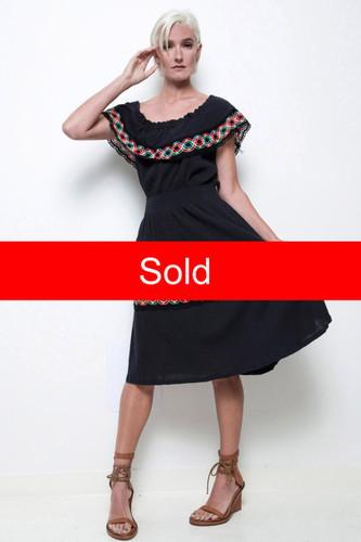 boho dress hippie Oaxacan black ruffled eyelet lace trims vintage 70s plus size XL 1X