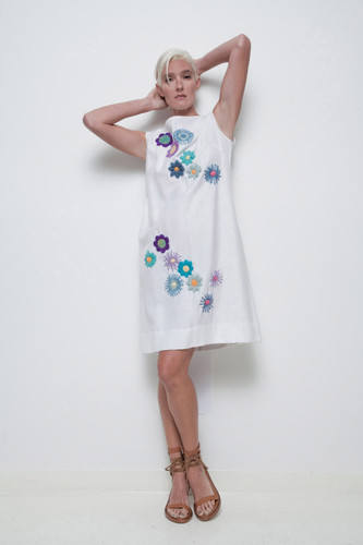 deadstock vintage shift dress 1960s white floral yarn embroidery 3D sleeveless M L