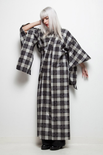 kimono vintage Japanese black white gingham plaid meisen silk long ONE SIZE
