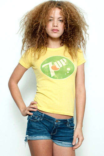 "Used Junk Food T Shirt Tee 50/50 7UP Seven Up YELLOW S (15"" width)"